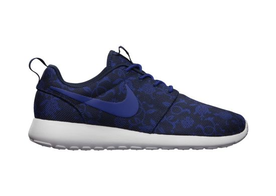 Nike-Roshe-Run-Graphic-Mens-Shoe-555445_440_A